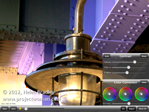 autoadjust opener Quickly adjust color in a photo on the iPad with Auto Adjust